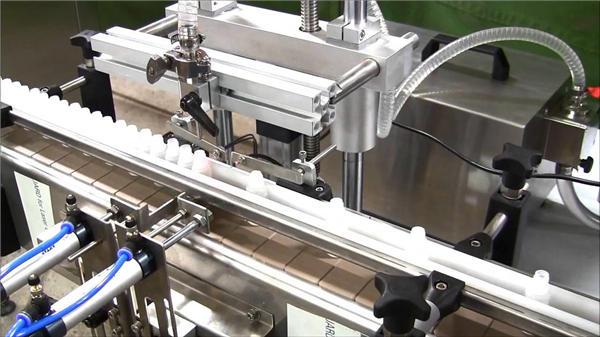 Ātrgaitas automātiskā e-šķidruma pudeļu pildīšanas mašīna